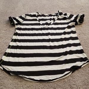 Lululemon Black & White  Short Sleeve Top Sz 12